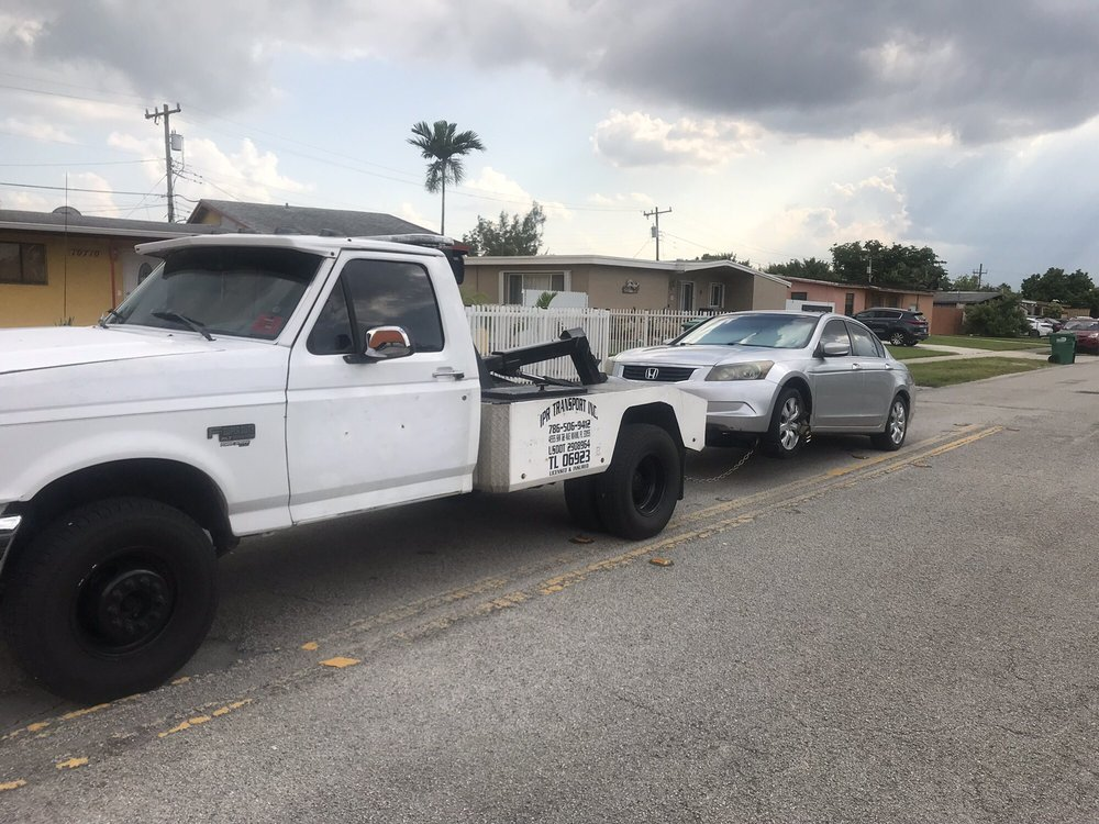 Towing business in Three Lakes, FL