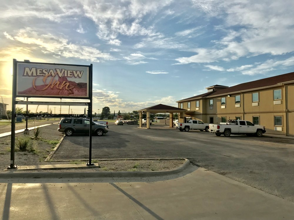 Mesa View Inn: 9289 Alley Oop Ln, Iraan, TX