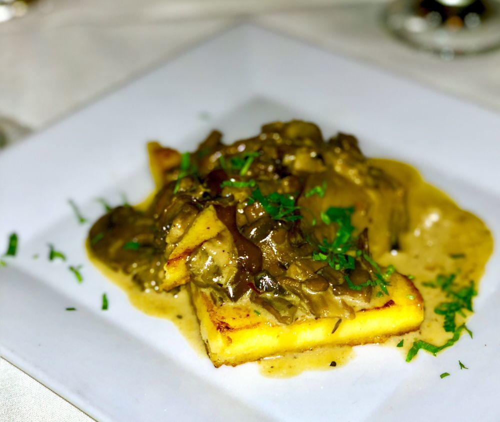 Mimmo's Italian Restaurant & Bar: 73540 Hwy 111, Palm Desert, CA