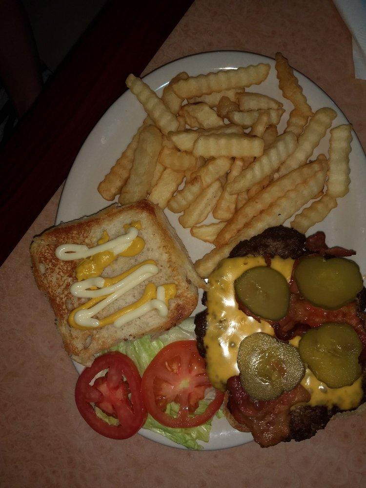 D's Country Cafe: 115 Conveyor Dr, Joshua, TX