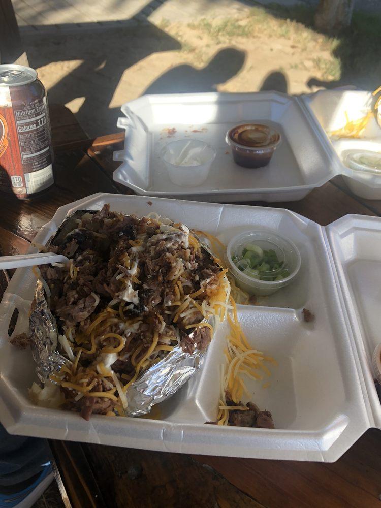 Smokin Steer BBQ: 100 US Hwy 175 W, Eustace, TX