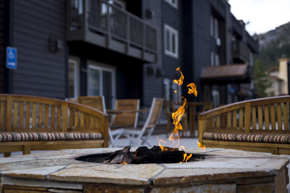 Red Wolf Lodge at Squaw Valley - Slideshow Image 1