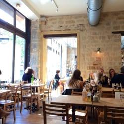 Le pain quotidien 17 photos 14 avis caf s 54 rue for Restaurant miroir rue des martyrs