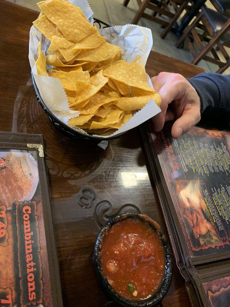 Los parrilleros mexican grille: 2310 Iowa Ave, Vicksburg, MS
