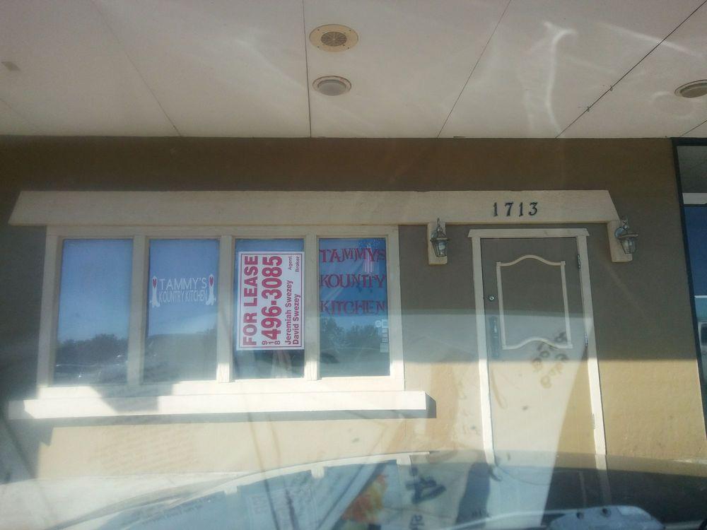Tammy's Kountry Kitchen: 1713 N Milt Phillips Ave, Seminole, OK
