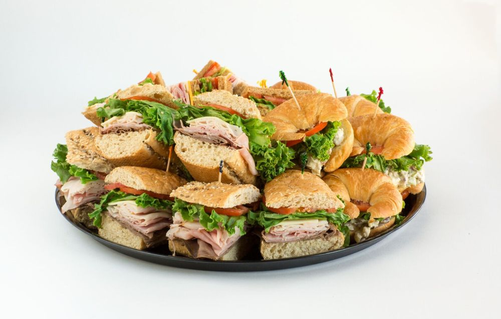 Sweet Peppers Deli: 619 Avalon Ave, Muscle Shoals, AL