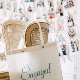 Foto De Engaged Wedding Library Homewood Al Estados Unidos Planning Boutique
