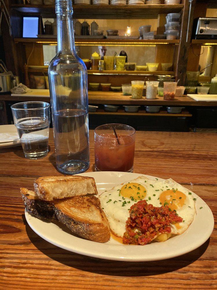Salumi Tapas & Wine Bar: 5600 Merrick Rd, Massapequa, NY