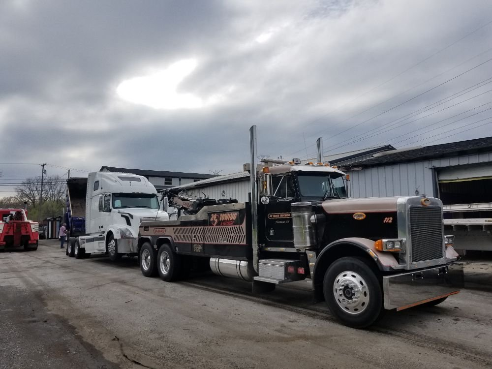 Photo of On Track Trucking: Foosland, IL
