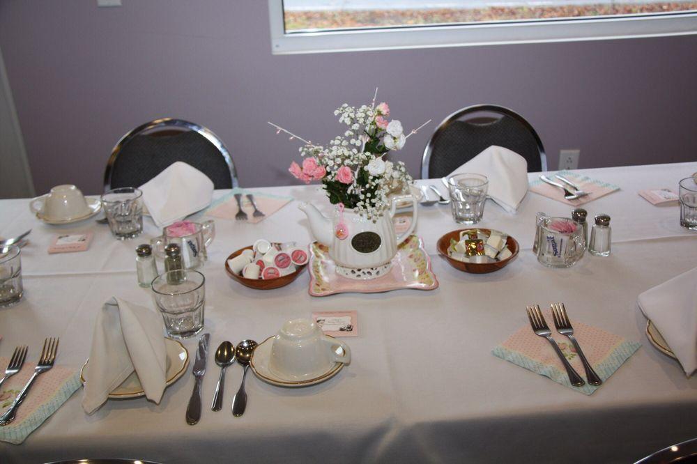 Orchard Hall Restaurant: 2955 Oneida St, Sauquoit, NY