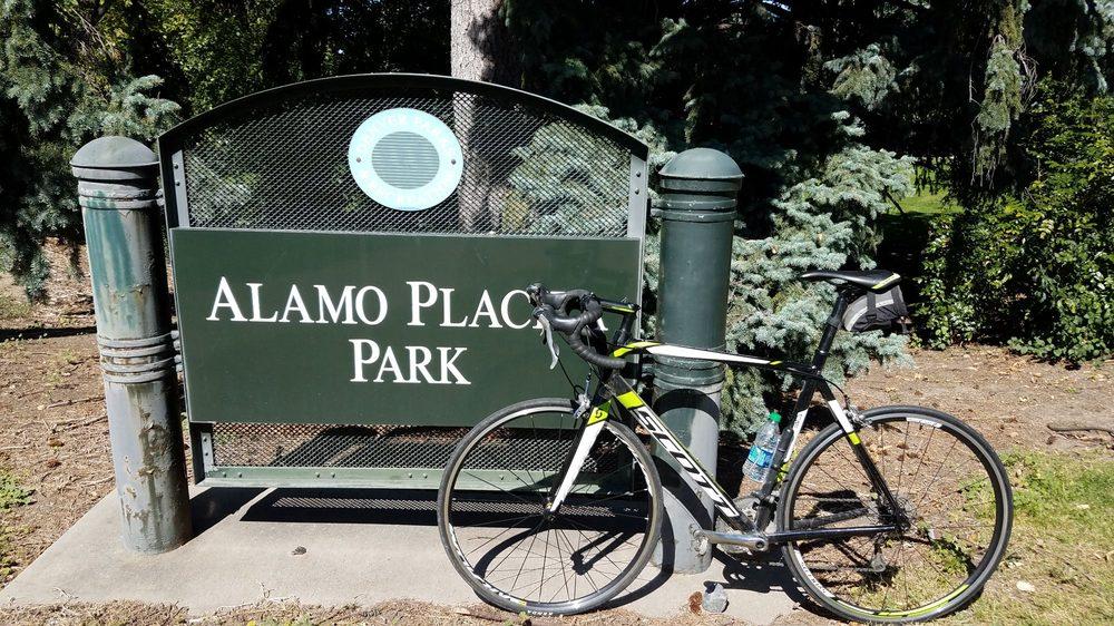 Alamo Placita Park: Ogden St And 3rd Ave, Denver, CO