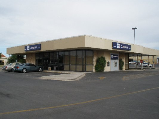 BBVA Compass - Banks & Credit Unions - 3809 E 42nd St