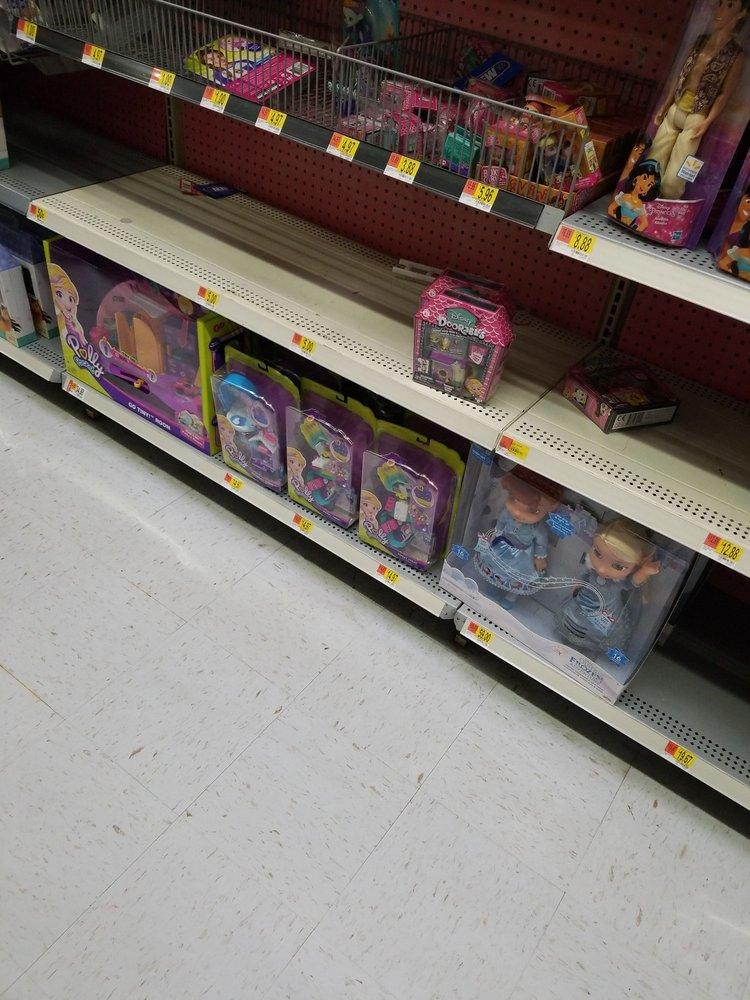 Walmart Supercenter: 2020 S Muskogee Ave, Tahlequah, OK