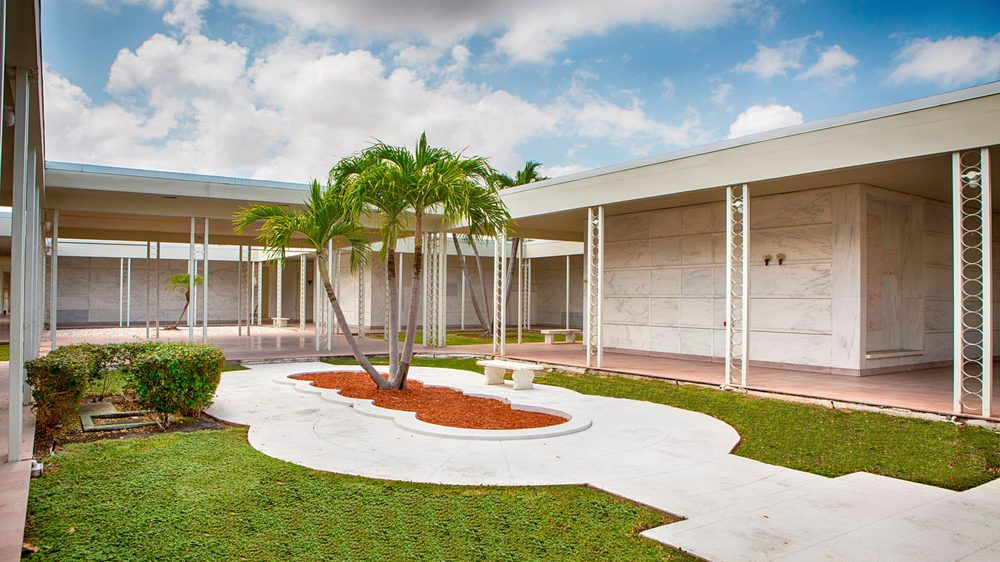 Forest Lawn Memorial Gardens Central: 499 NW 27th Ave, Fort Lauderdale, FL