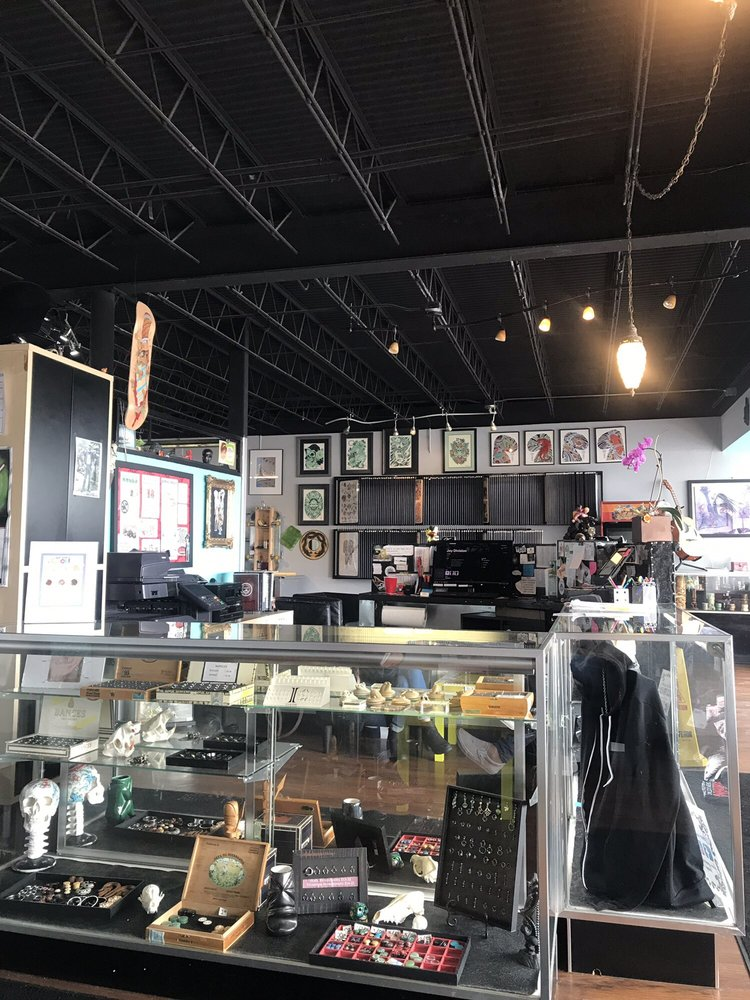 Addictions Tattooing & Body Piercing: 1623 University Dr S, Fargo, ND