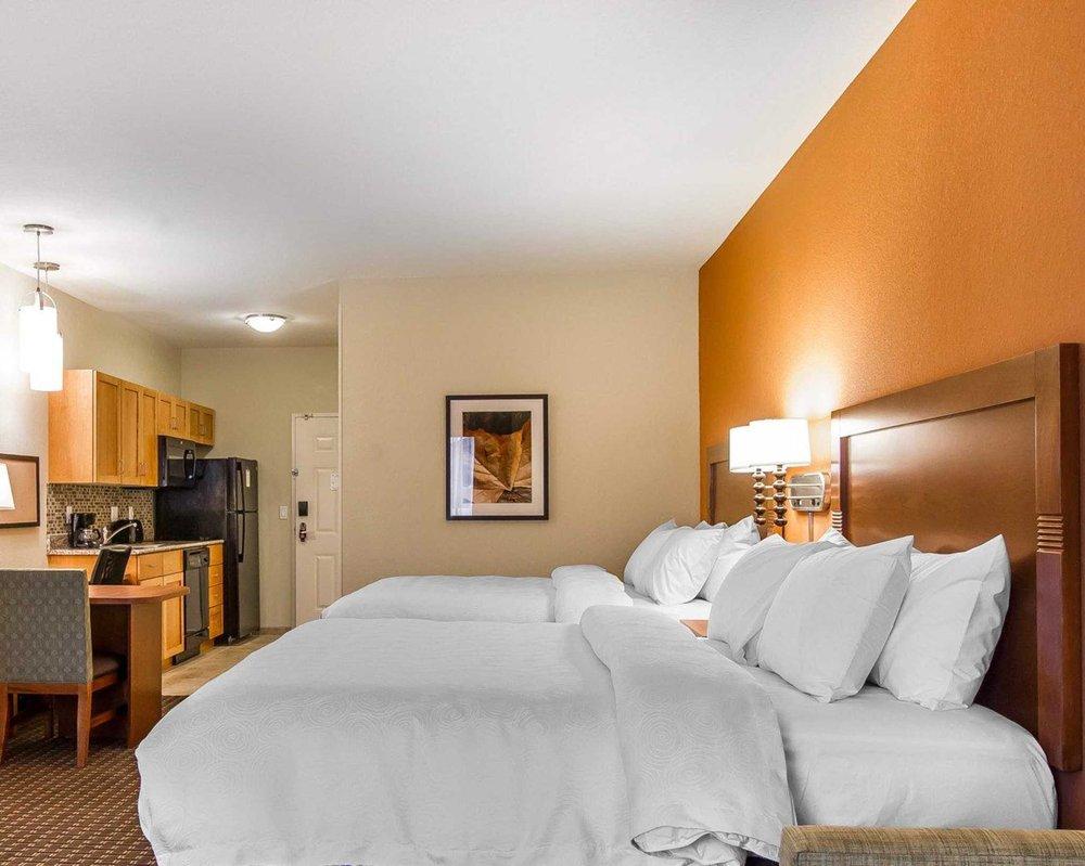 MainStay Suites   Stanley: 604 Westview Lane, Stanley, ND
