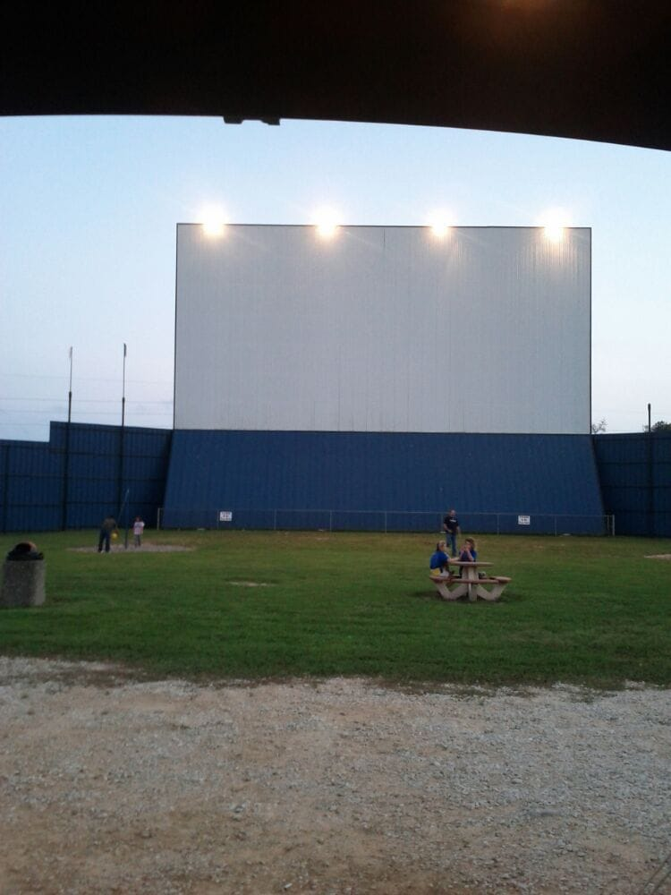The Showboat Drive In Hockley Tx