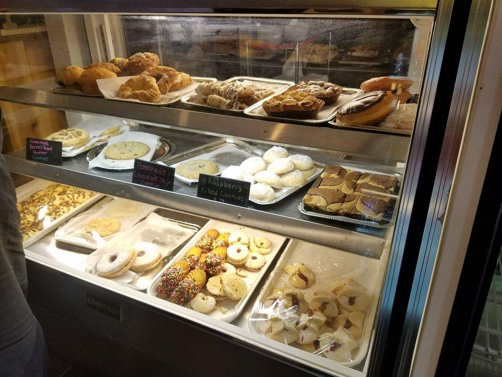 Ria's Bistro & Bakery