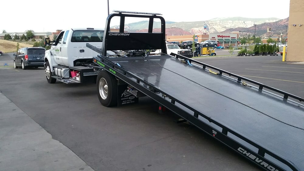 Mountain Towing & Recovery: 523 N 100 E, Cedar City, UT