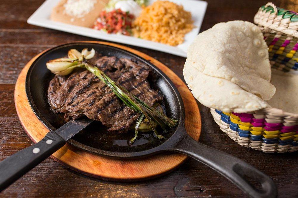 Sabroso! Mexican Grill: 941 N Damen Ave, Chicago, IL