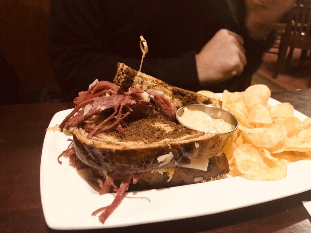 Black Woods Grill & Bar: 195 Hwy 2, Proctor, MN