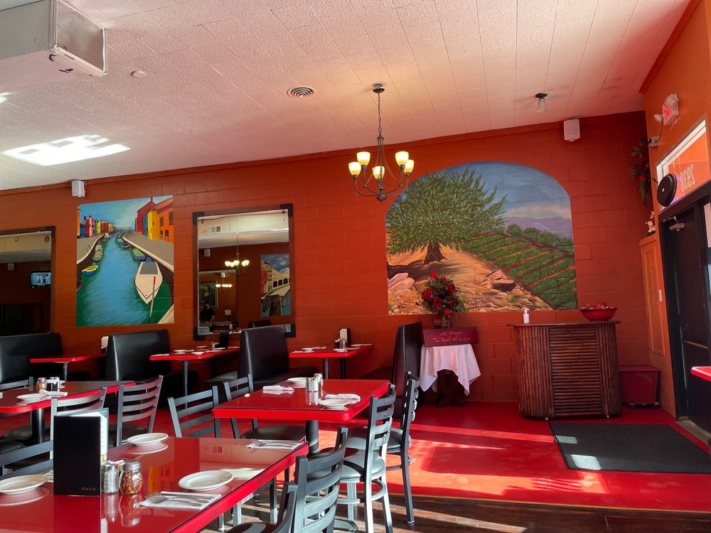 American Italian Bistro: 2930 4th St, Ceres, CA