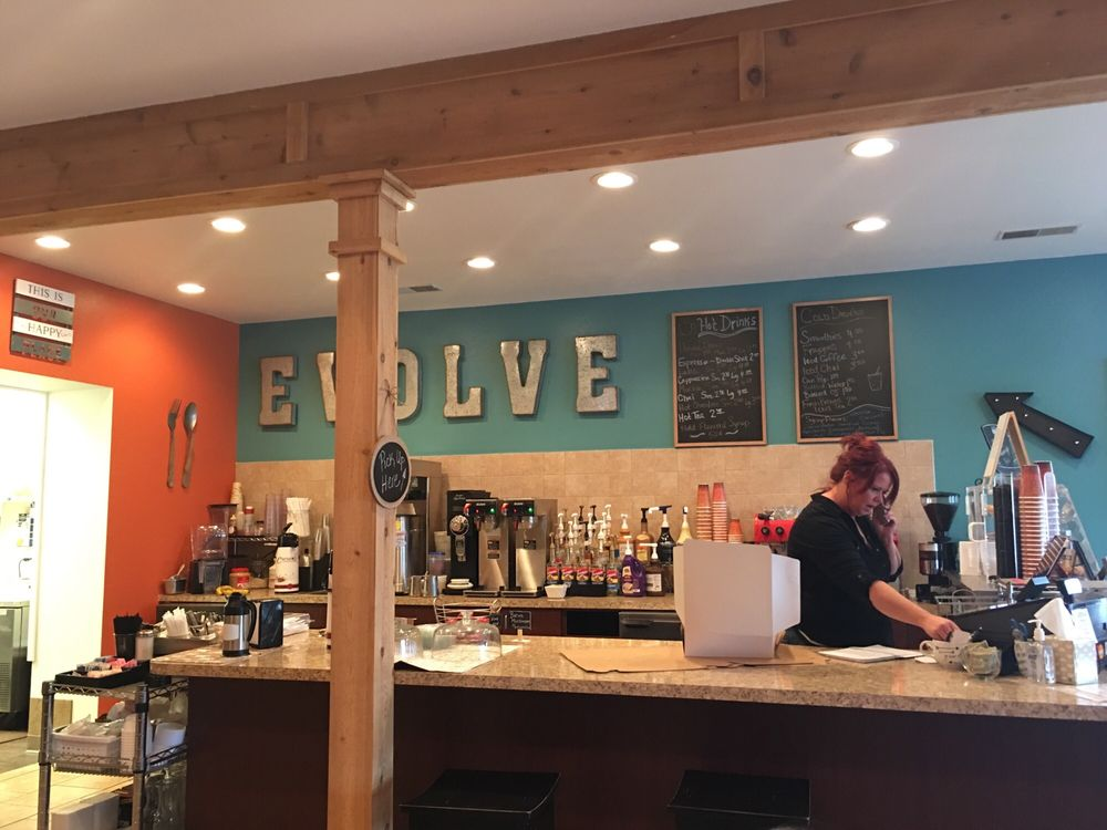 Evolve Riverfront Cafe: 169 Mill St, Oak Harbor, OH