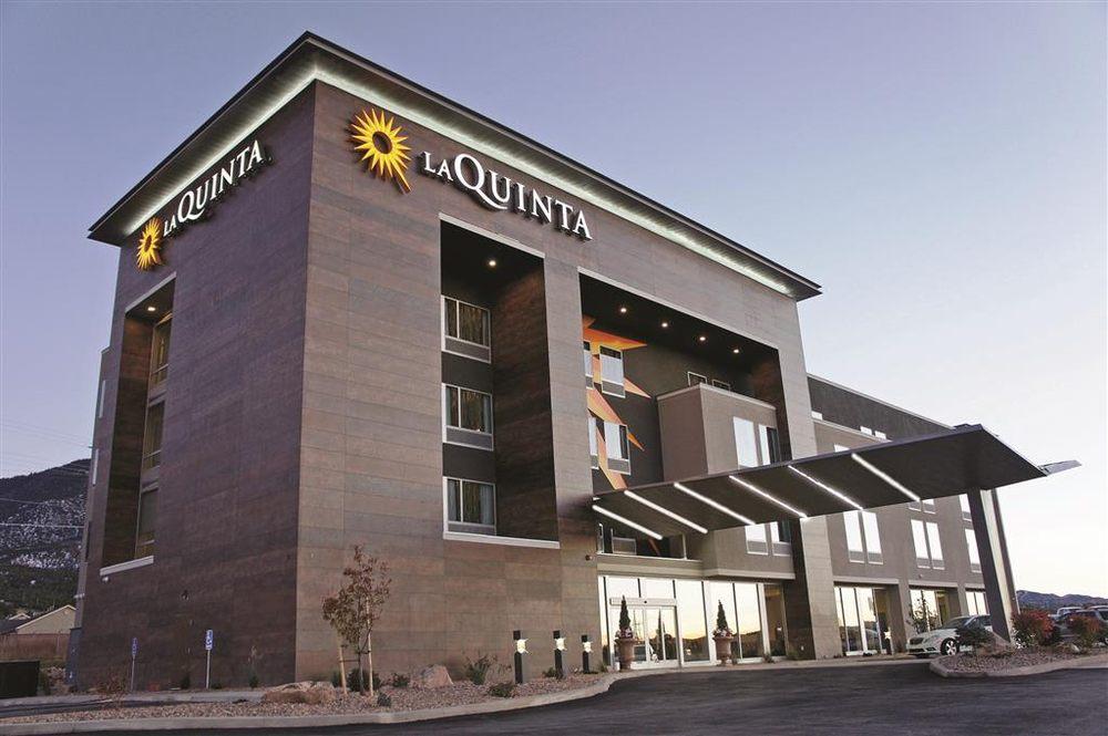 La Quinta by Wyndham Cedar City: 1377 South Main Street, Cedar City, UT
