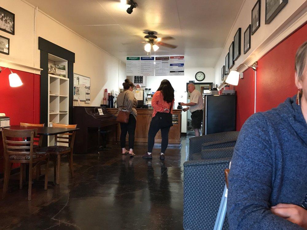 Carlton Coffee Company: 203 W Main St, Carlton, OR