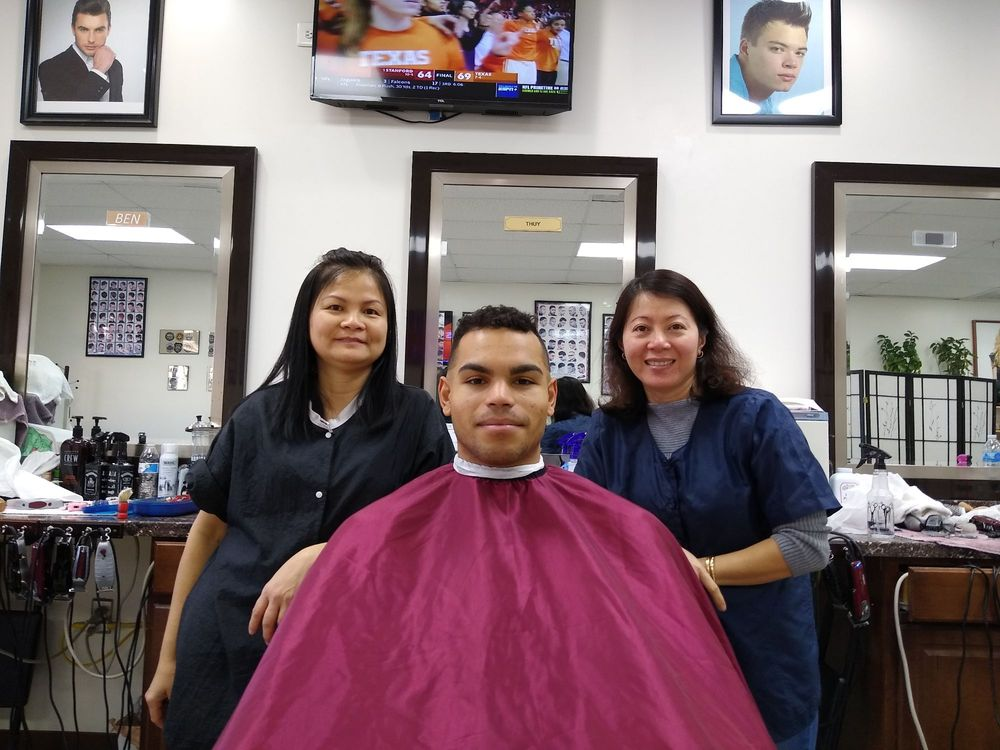 Mt Vernon Barber Zone: 8733 Cooper Rd, Alexandria, VA