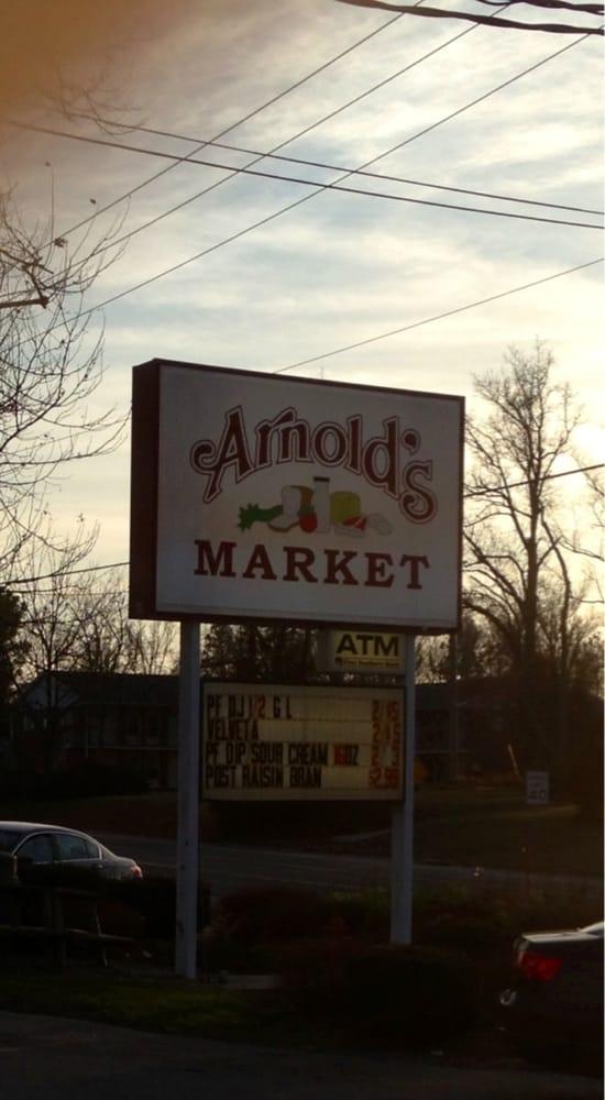 Arnolds Market: 2141 S Illinois Ave, Carbondale, IL