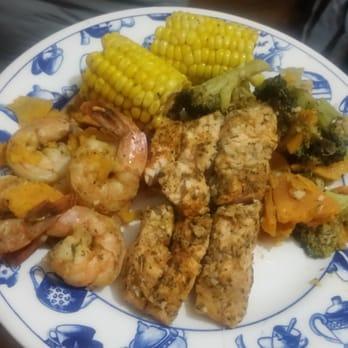 Dyre fish market 39 photos 29 reviews seafood 3828 for Eastchester fish market