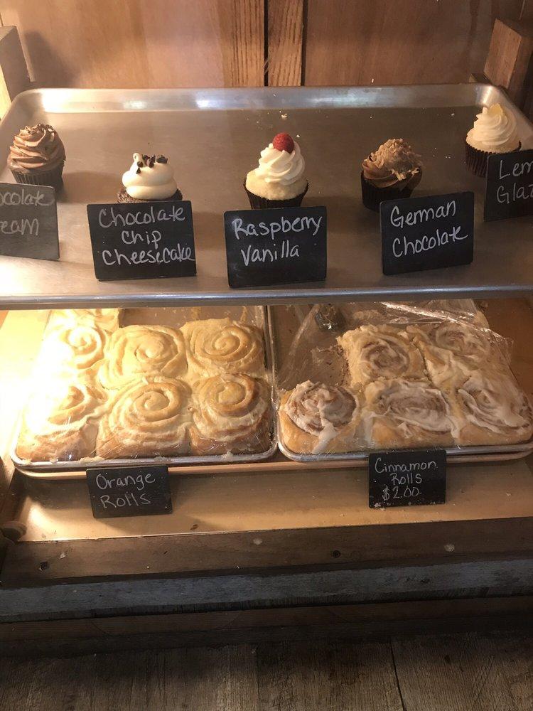 Aunt Netters Cupcakes: 336 Elmore St, Lecompton, KS
