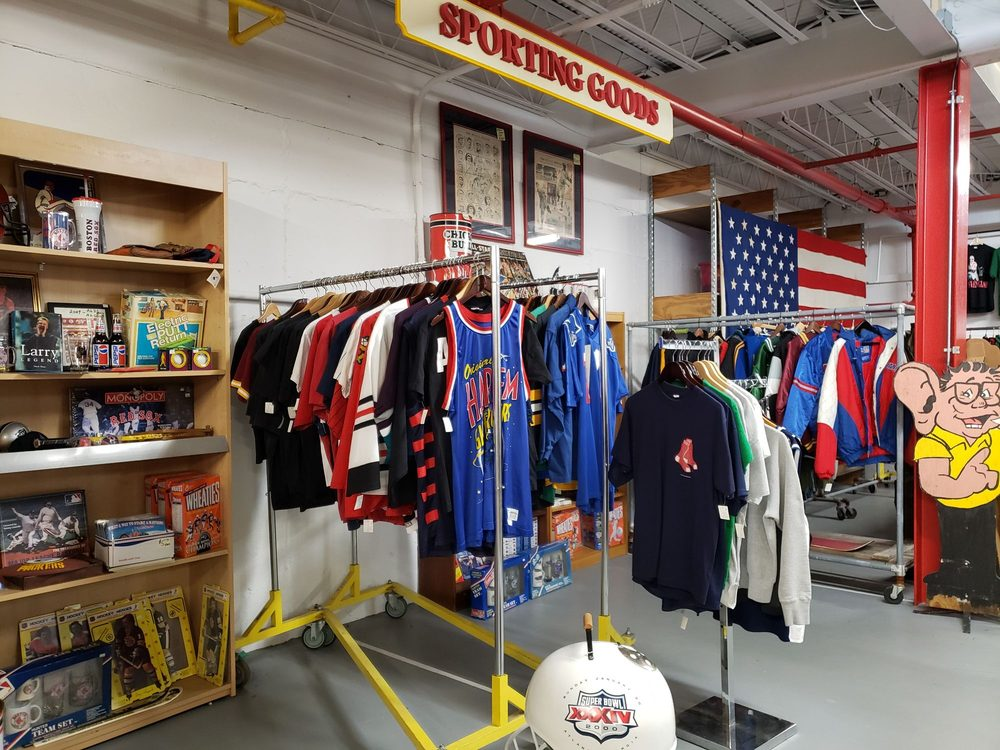 Midway Antiques and Collectibles: 1428 Hartford Ave, Johnston, RI