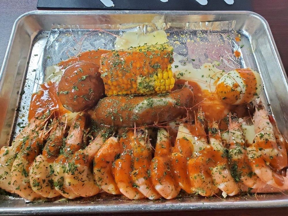 Crustacean Boil House: 10485 Eastex Fwy, Beaumont, TX