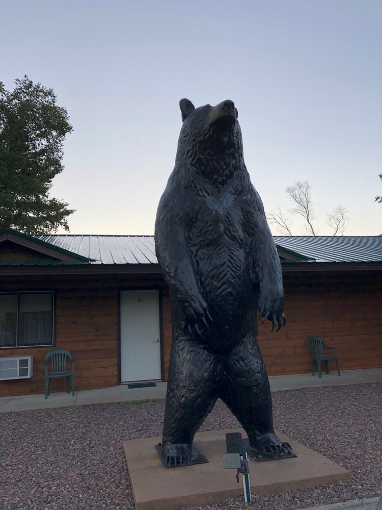 Musky Tale Resort: 8747 W County Rd B, Hayward, WI