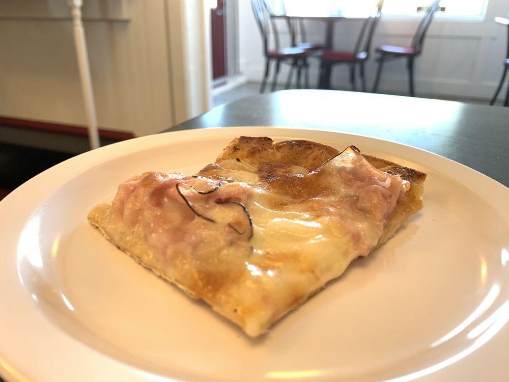 Mama Mel's Pizzeria: 1200 Telegraph Rd, Saint Louis, MO