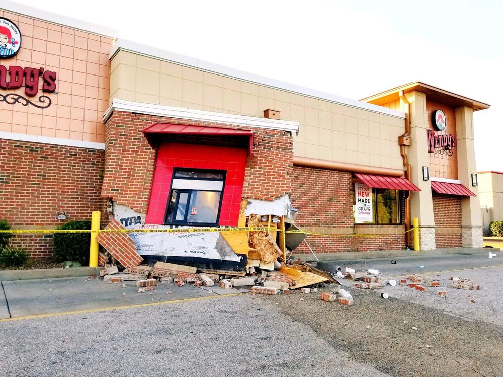 Wendy's: 812 N Conner Ct, Dale, IN