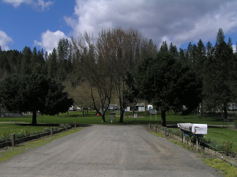 Bear Mountain Rv Park: 27301 Hwy 62, Trail, OR