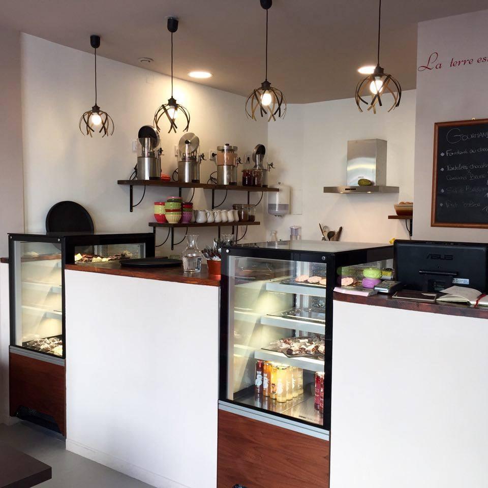 mademoiselle chocolat 11 photos chocolatiers shops 2 bd du jeu de paume montpellier. Black Bedroom Furniture Sets. Home Design Ideas