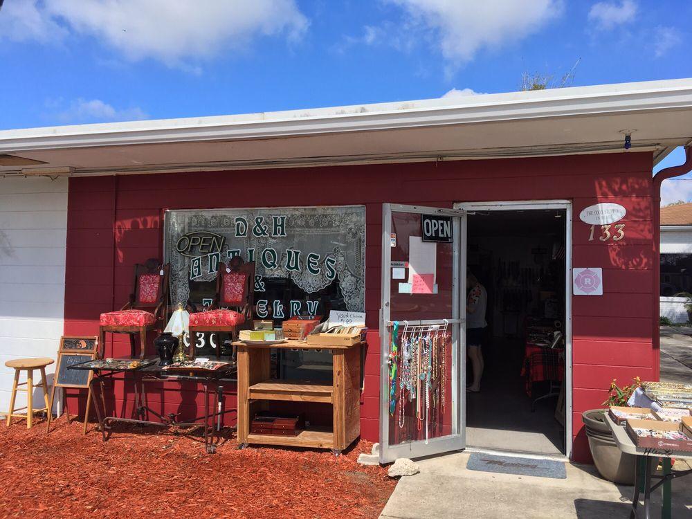 D & H Antiques & Jewelry: 133 Main St, Horseshoe Beach, FL