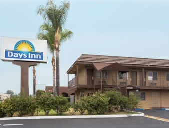 Days Inn by Wyndham San Bernardino: 1386 East Highland Avenue, San Bernardino, CA