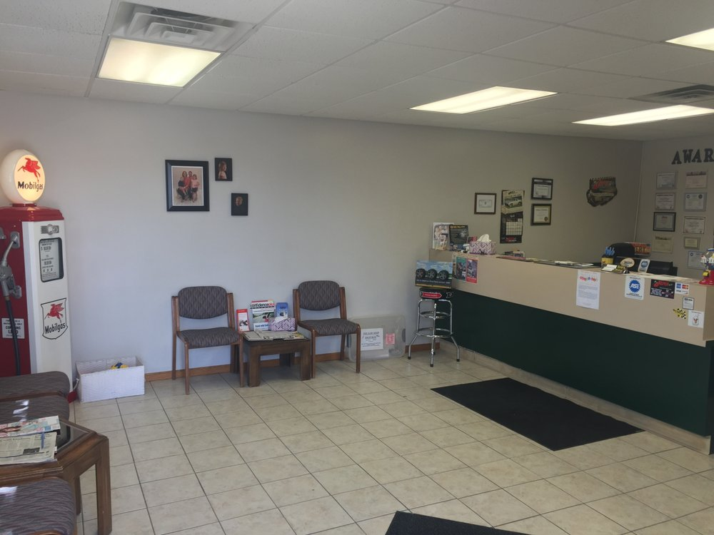 Avery Automotive Repair & Towing: 412 W Main St, Valley Center, KS