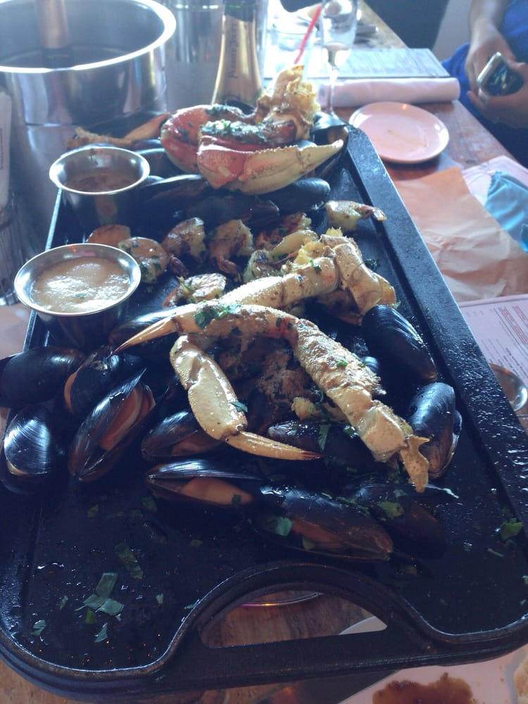 Crab platter yelp for The dead fish crockett