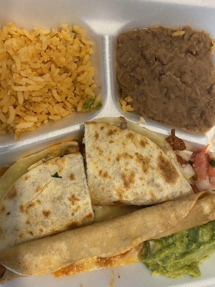 Los Patrones Mexican Grill: 12607 W Washington St, Burton, TX
