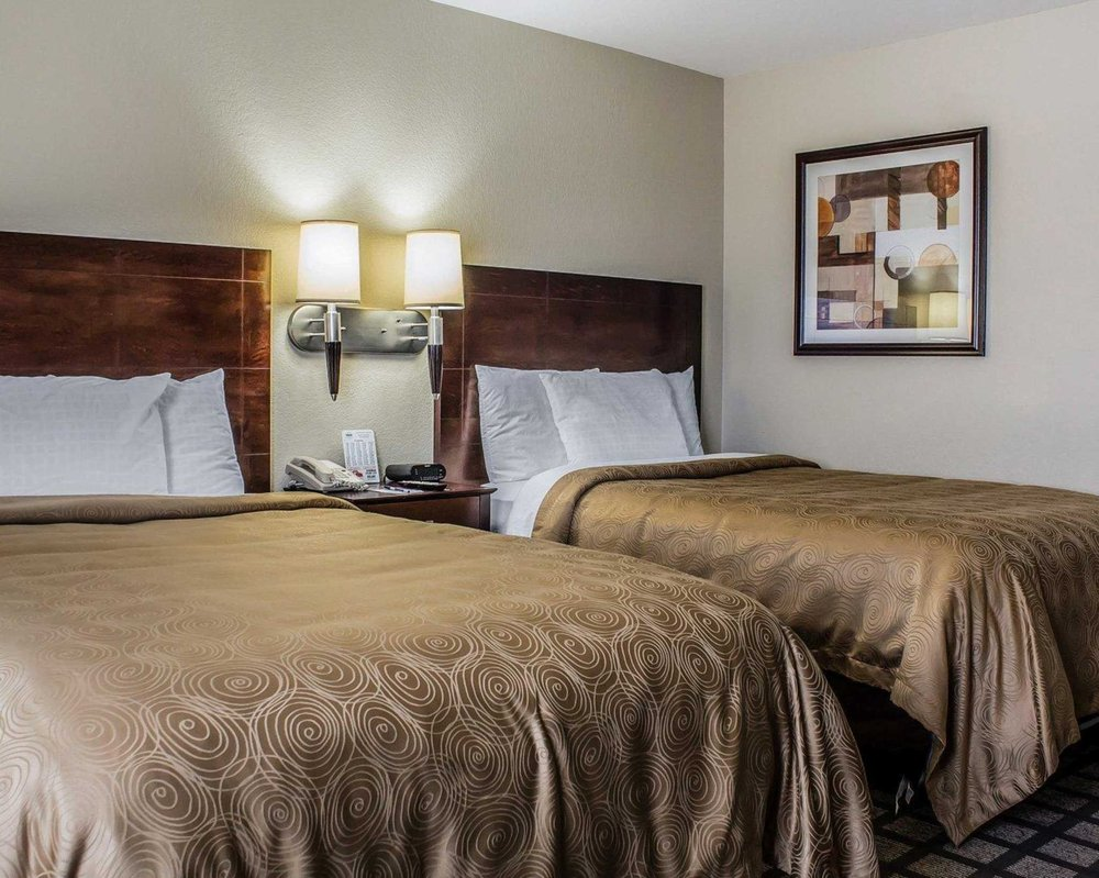 MainStay Suites: 2491 Holiday Rd, Coralville, IA