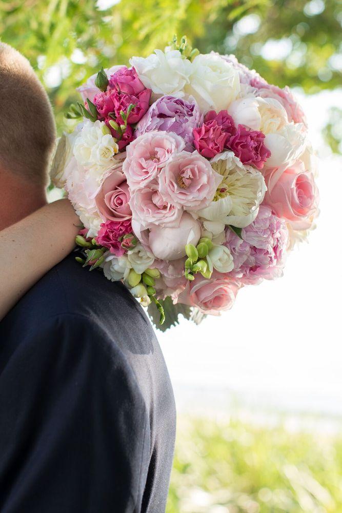 Alluring Flowers: 12 Wheeler Ave, Betterton, MD