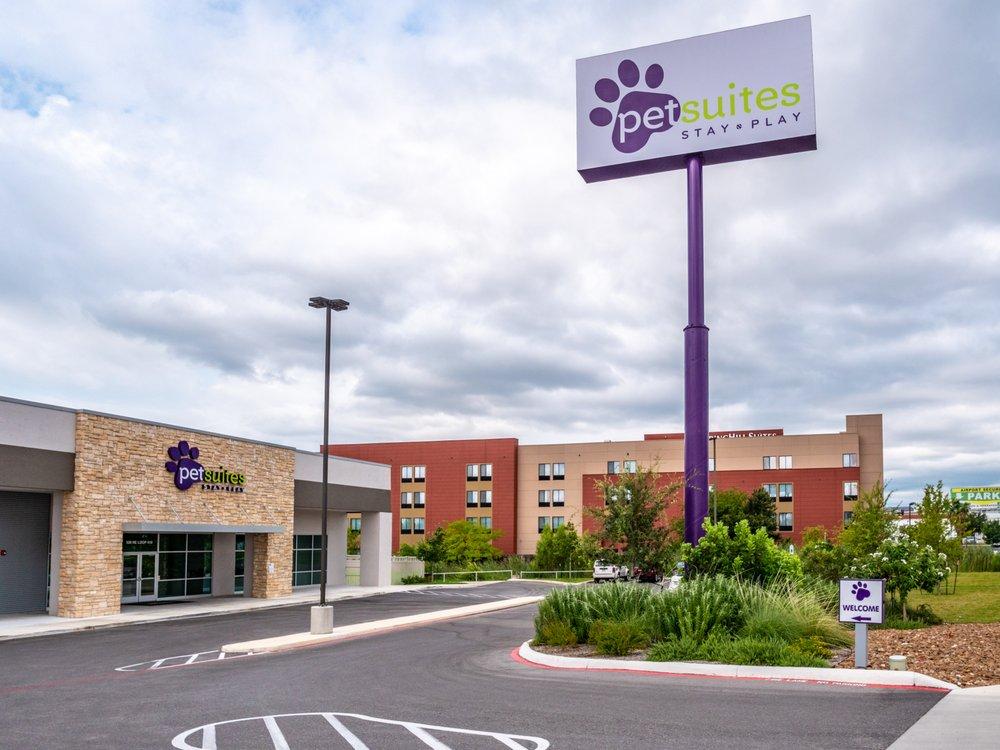 PetSuites San Antonio Airport: 530 NE Lp 410, San Antonio, TX