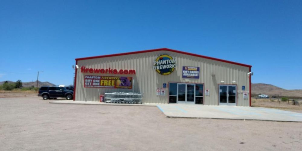Phantom Fireworks of Road Forks: 3194 US Highway 80, Road Forks, NM