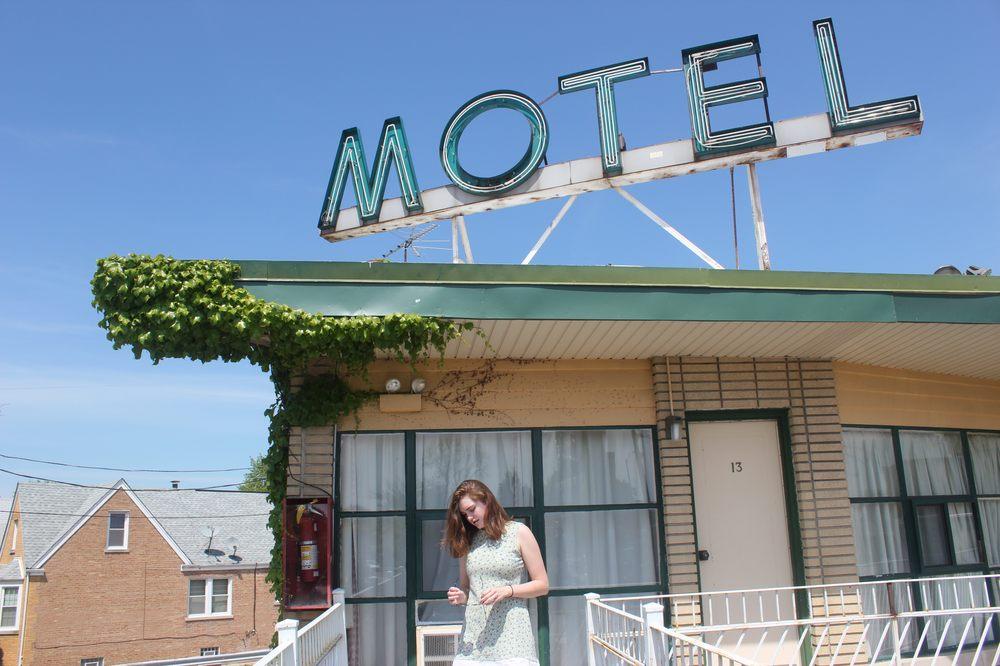 Esquire Motel
